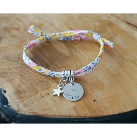 bracelet gris gravé