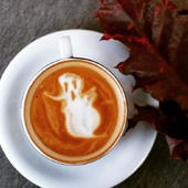 Belle soirée à tous en ce premier week end de confinement 🎃   ●•●•●•●•● #halloween #fantôme #citrouille #octobre #novembre #happyhalloween #happyhalloween🎃 #🎃 #octobre #november #weekend #coffee #automne #autumn