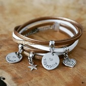 Voici un des bracelets de la nouvelle collection pour les bracelets gravés 😊  Vous aimez ?   ☆ bijou fait main à personnaliser ☆ création sous 2/ 3 jours ☆ envoi en suivi avec la poste   boutique en ligne : www.dansmonatelier.fr (lien direct en bio)   ●•●•●•●•● #dansmonatelier #instabijou #jewelry #bracelet #pulsera #jonc #braceletprenom #faitmain #madeinfrance #creatrice #createurfrancais #prénom #braceletgrave #bijougravé #medaillegravee #maman #mamie #marraine #mom #mommy #mummy #madrina
